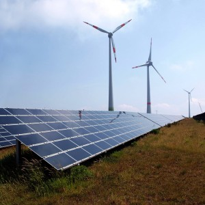 zonnepanelen en windmolens SDE