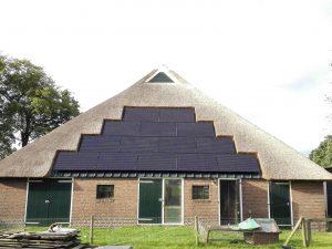 Zonnepanelen Rieten Dak Groot Eesveen (2)